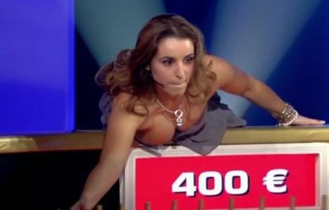 roue1 Pamela Anderson perd sa robe   photos oops sexy