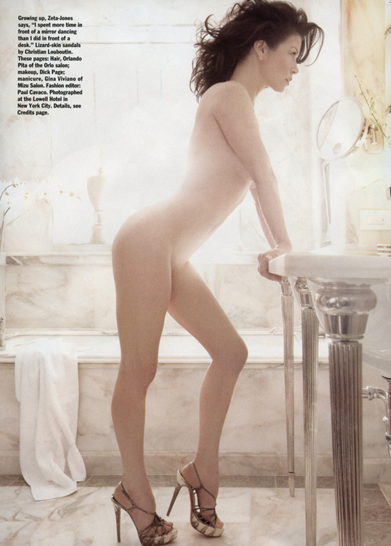 Catherine Zeta Jones Nue Allure