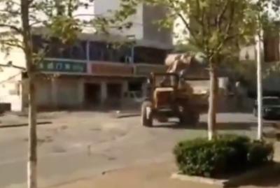 bagarre-bulldozers-home