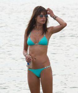 alessandra ambrosio en bikini bleu