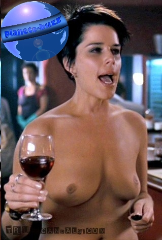 neve campbell sexy 1