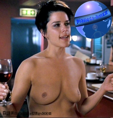 neve campbell topless sexy