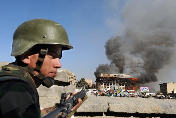 taliban attaque - kamikaze ambulance kaboul