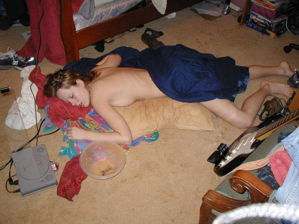 passed-out-drunk-girl-53