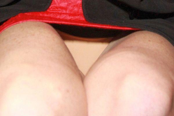Upskirt sous la jupe bleu en collant - 4 10