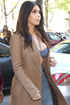 Kim Kardashian & Kanye West Shop In Paris