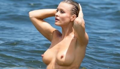 20150612-joanna-krupa-topless-home