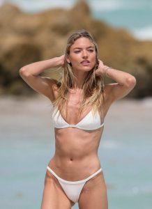 martha hunt bikini