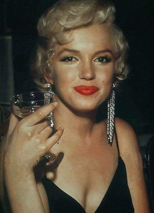 marilyn monroe champagne