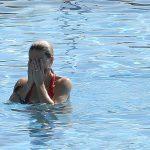 Michelle Hunziker bikini rouge