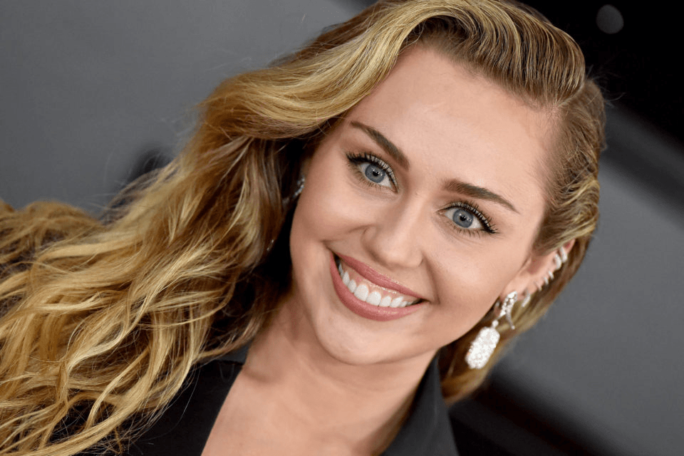 miley cyrus glamour
