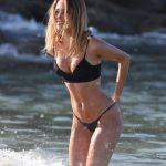 Kimberley Garner en bikini